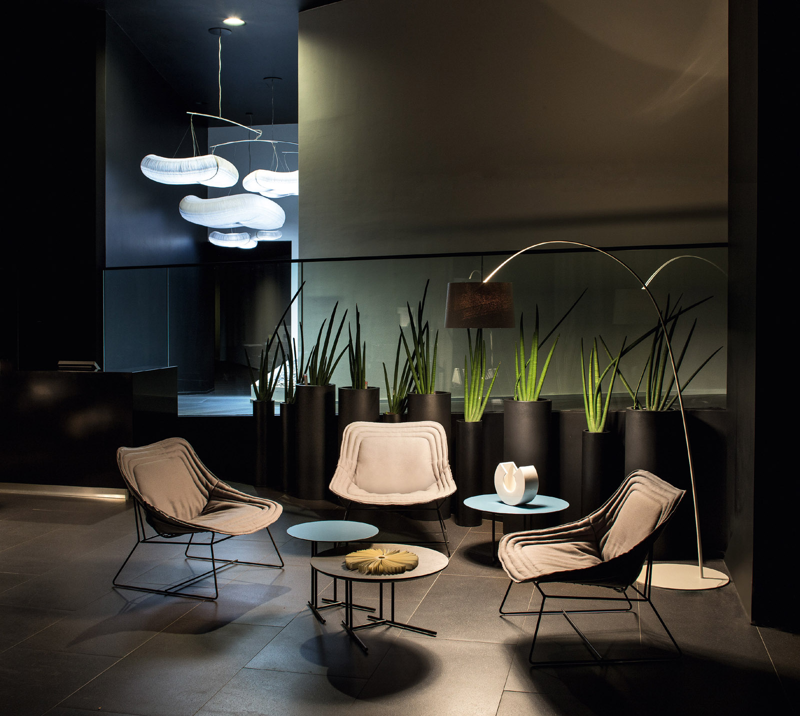 Chapeau Chaise Lounge