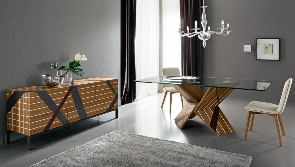 Tratto Dining Table