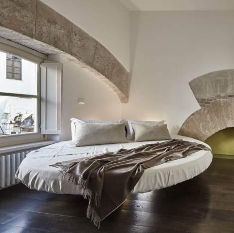 Fluttua Round Bed, Lago Italy