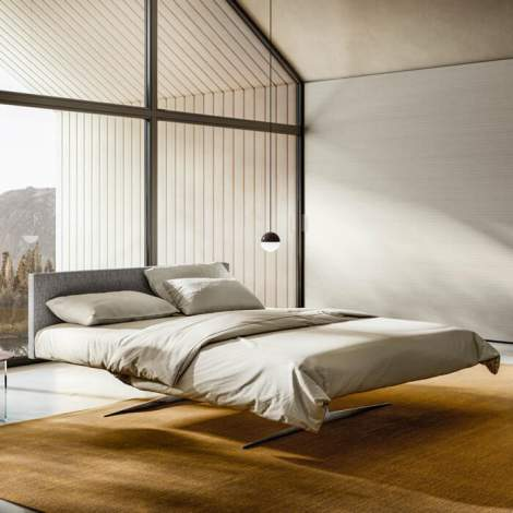 Steel Bed, Lago Italy