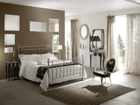 Inglese Bed, Cantori Italy