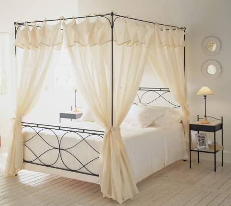 Raphael Bed, Cantori Italy
