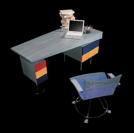 Mirak Office Desk, IL Loft