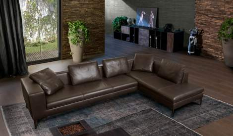 Quebec Leather Sectional, Cierre Italy
