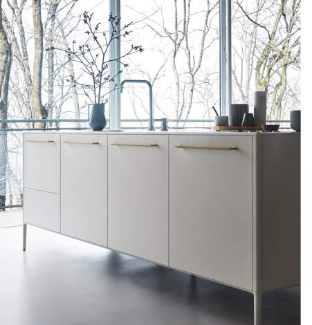 Unit Silk-Effect Bianko Lacquer/Hanex N-White Kitchen Composition, Cesar Italy