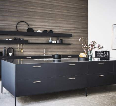 Unit Titano Lacquer/Basalto Steel Kitchen Composition, Cesar Italy