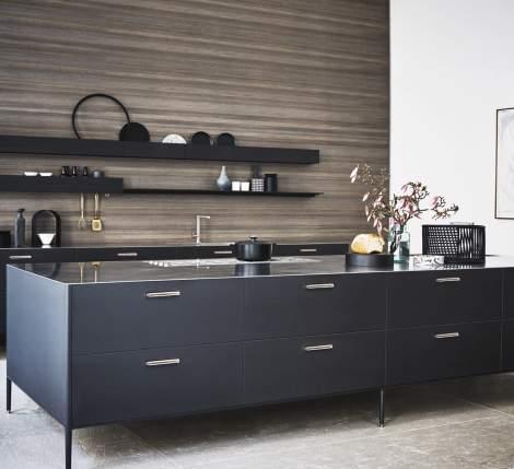 Unit Titano Lacquer/Basalto Steel Kitchen Composition, Cesar Italy