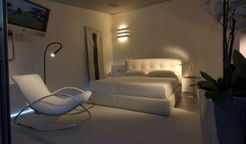 Chagall Leather Bed, Cierre Italy